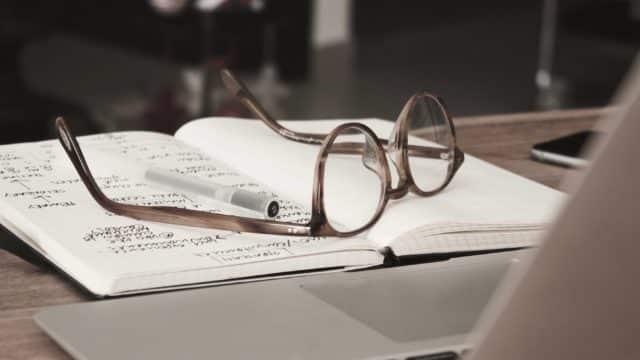 Recherche qualitative et quantitative : différences et rôles